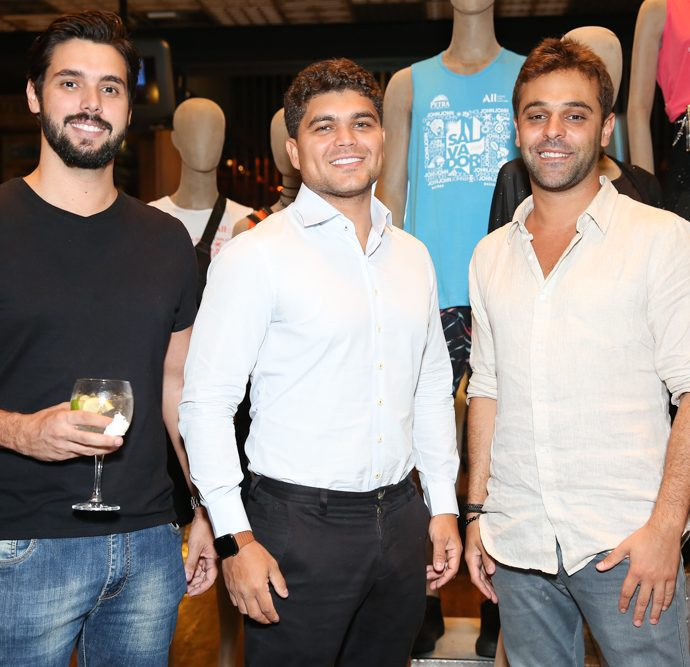 Luccas Riedo, Tallis Gomes, Gabriel Khawali