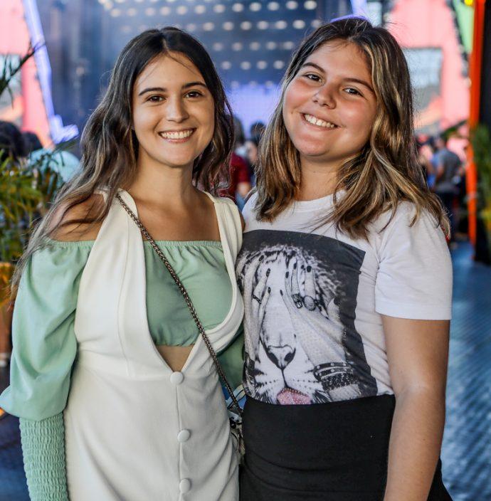 Maria Clara E Lara Teixeira