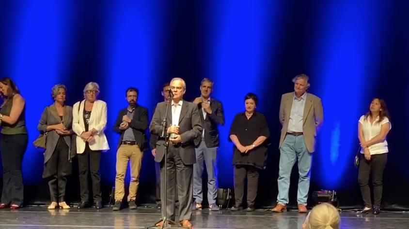 Max Perlingeiro recebe prêmio da Associação Paulista de Críticos de Artes em São Paulo