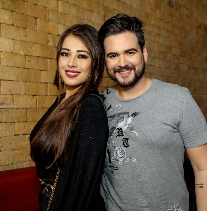 Milena Ikeziri E Leandro Moreno