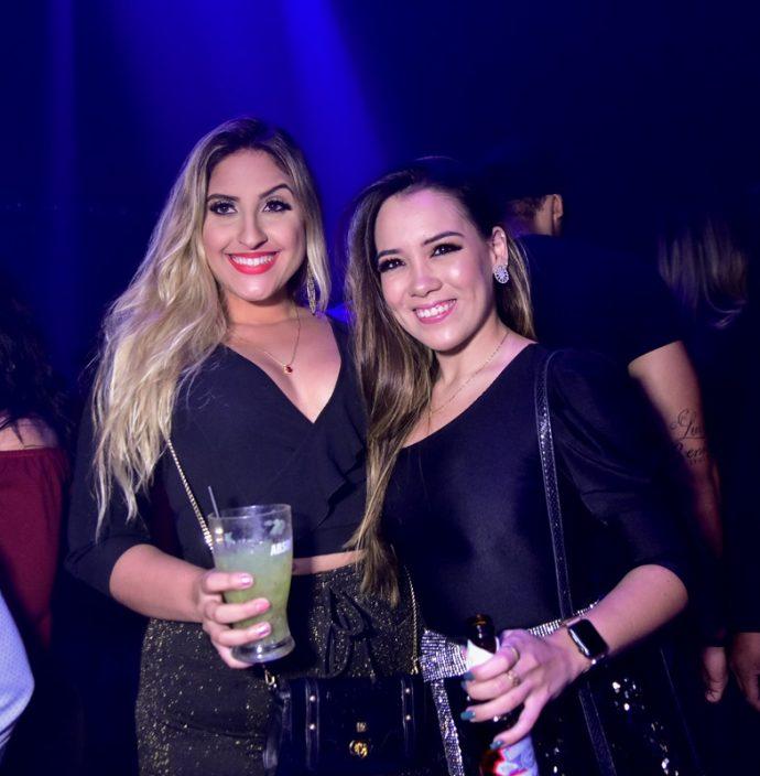 Monique Isabelle, Ana Flávia