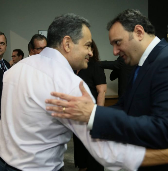 Paulo Henrique Lustosa E Patriolino Dias