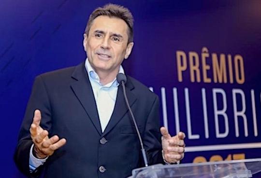 Pedro Lima fala de sua trajetória no Almoço Empresarial da FIEC