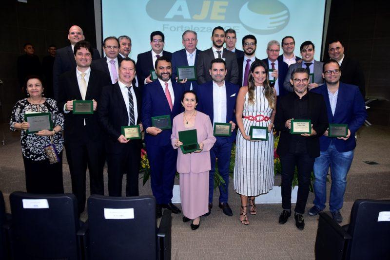 Gestão 2020 - Valdemir Alves assume o comando da AJE Fortaleza em prestigiada solenidade na FIEC