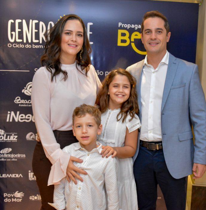 Priscila, Caio, Camila E Diego Braga