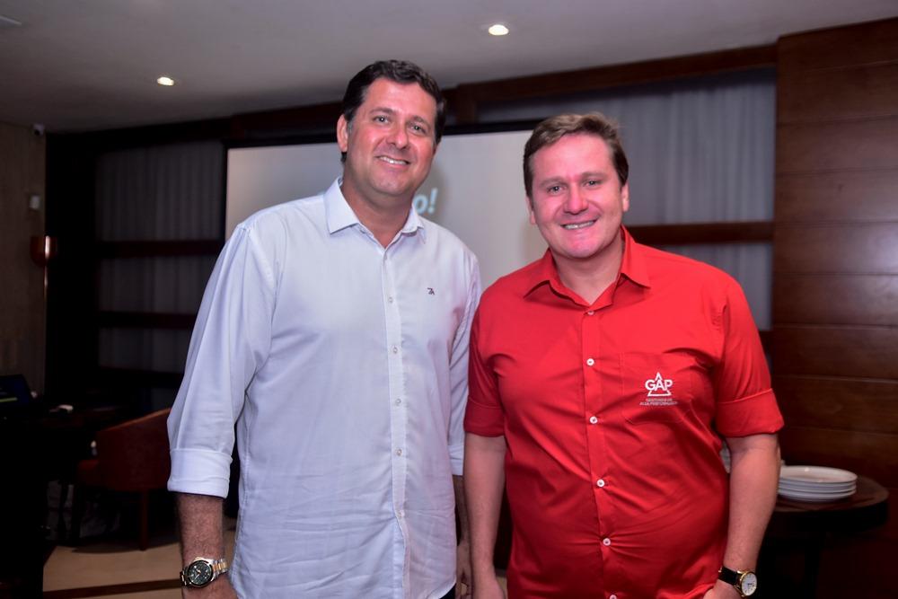Rafael Rodrigues pilota encontro de negócios no Cabaña Del Primo