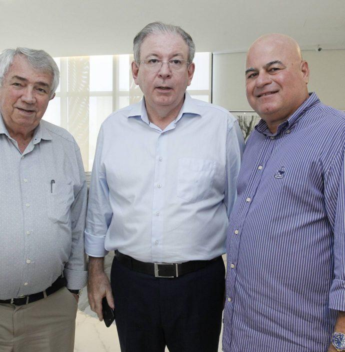Roberto Macedo, Ricardo E Luciano Cavalcante