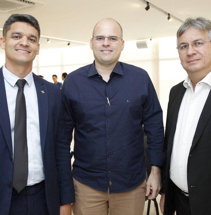Rodrigo Bourbon, Rodrigo Bitar E Arthur Valente