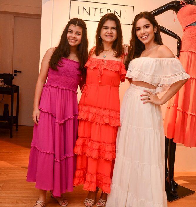 Sarah E Ticiana Brigido com Nicole Vasconcelos