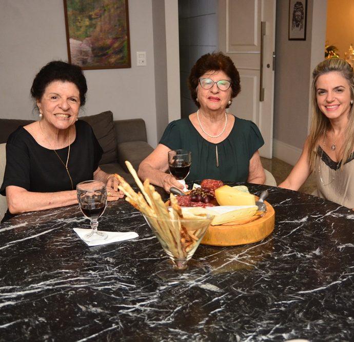 Sarita Ary, Clarice Romcy Ary E Mirela Dall'olio
