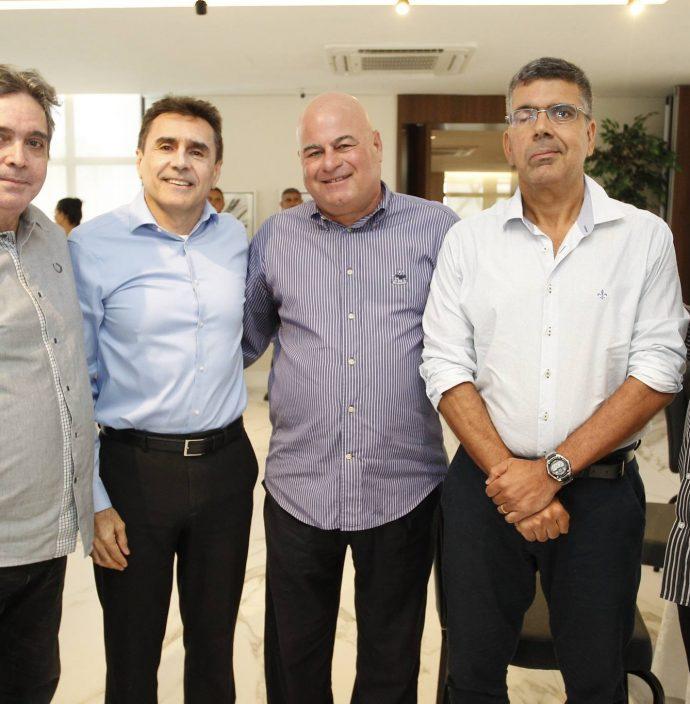 Totonho Laprovitera, Pedro Lima, Luciano Cavalcante, Lauro Chaves E Chico Esteves