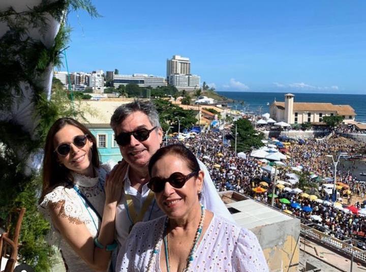Totonho, Elusa e Joana Laprovitera renovam a fé na capital baiana