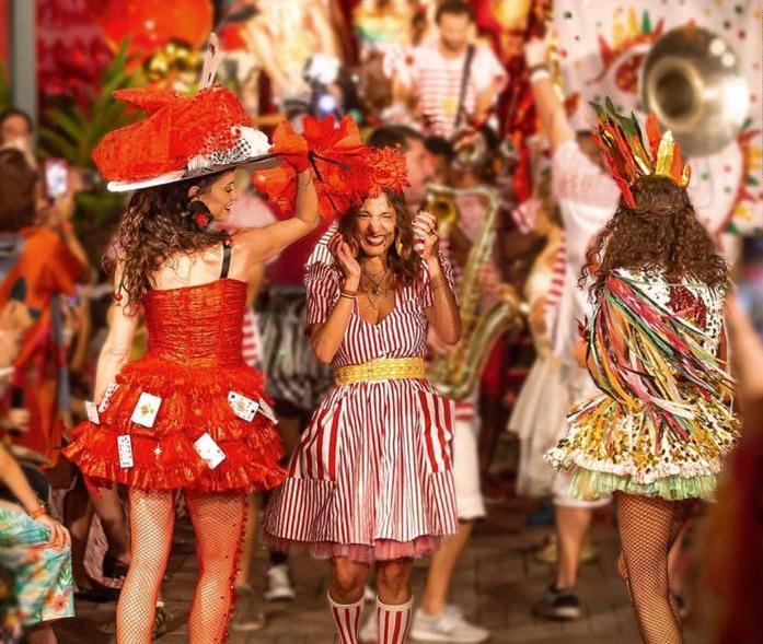 Isabela Capeto assina coleção de fantasias em parceria com a Stella Artois