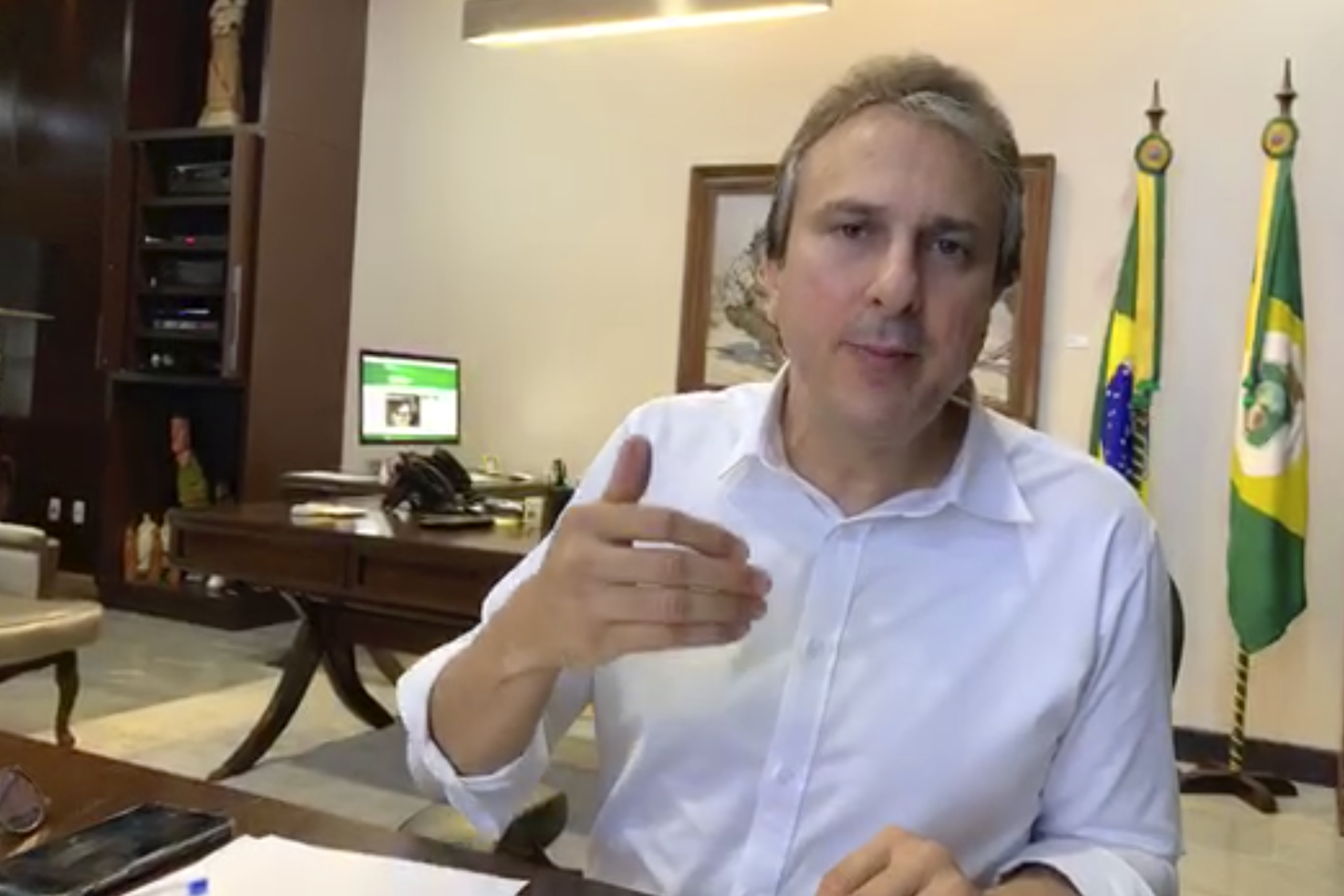 Camilo anuncia novas medidas para conter o Coronavírus. Veja o decreto do governador