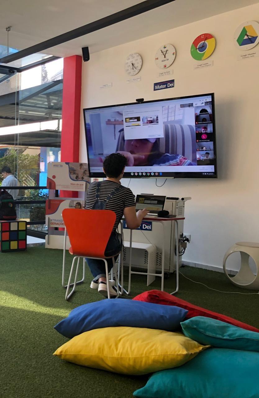 Escolas referências em tecnologia suspendem aulas presenciais e continuam os trabalhos em casa sem prejuízo pedagógico