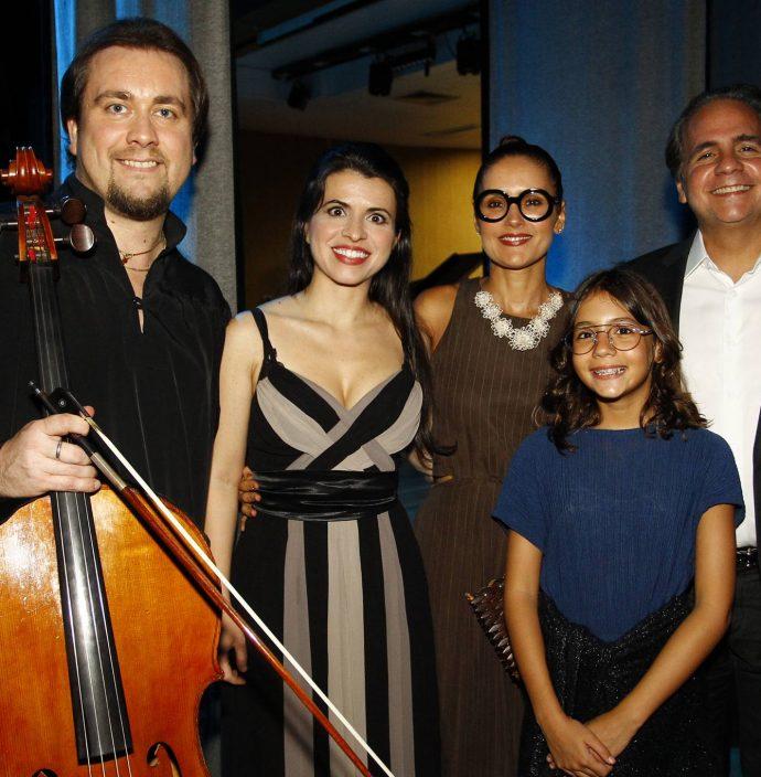 Alexandre Debrus, Sylvia Thereza, Manoela, Sara E Ricardo Bacelar