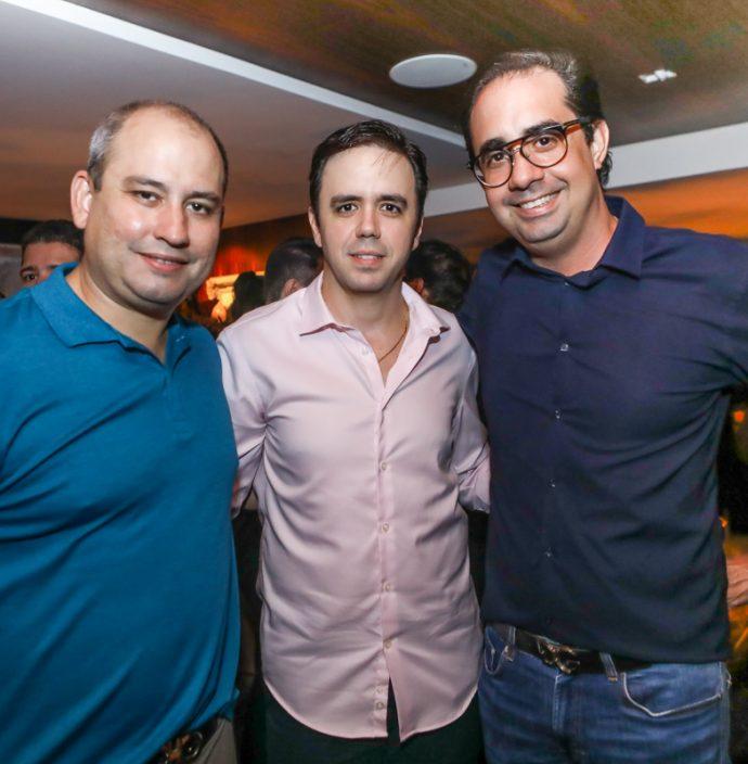 Andre Linheiro, Francisco Philomeno E Pedro De Castro