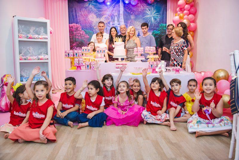 Rá-Tim-Bum - Clarissa Coelho e Márcio Calux festejam os quatro anos de Nicole no Clube das Estrelinhas