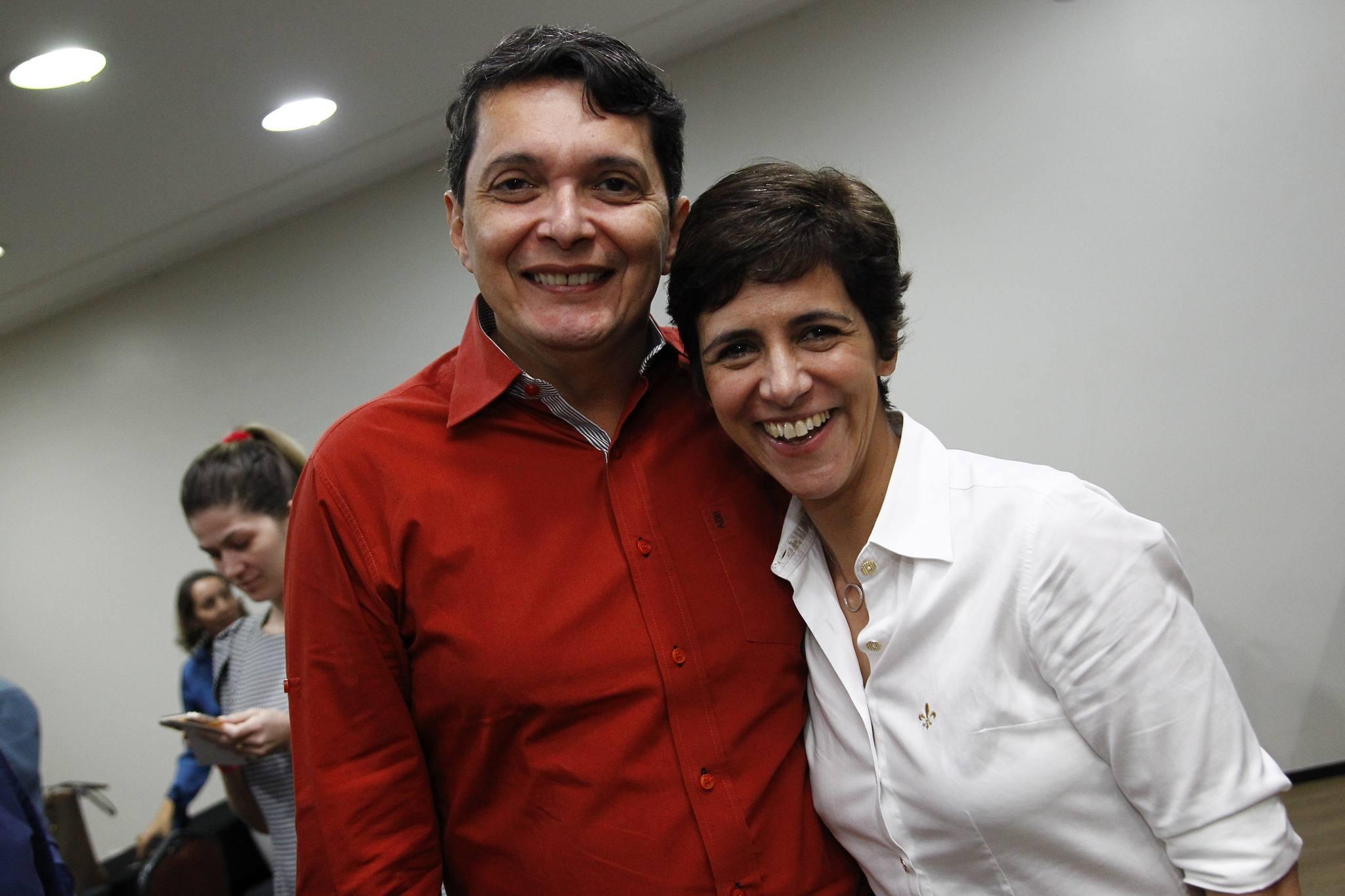 Armando Cesar E Simone Moura