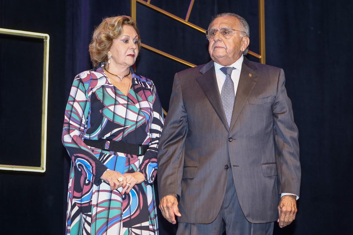 Auxiliadora E Joao Carlos Paes Mendonça