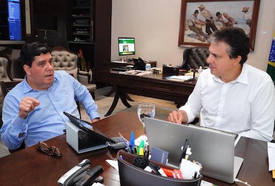 Camilo Santana libera R$ 45 milhões para prevenção e combate ao Covid-19