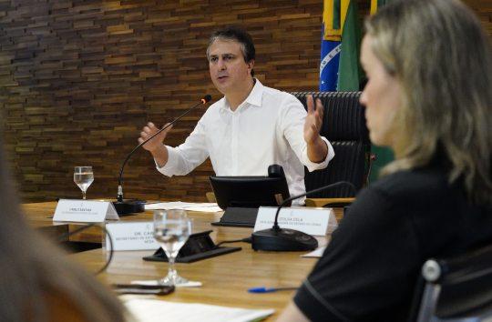Camilo destaca as iniciativas para mitigar a propagação do Covid-19 no Estado
