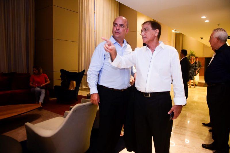 Presença Ilustre - Em visita ao BS Design, Carlos da Costa conhece as modernas instalações da sede da BSPAR