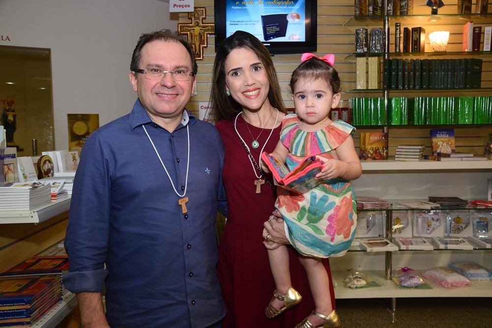 Carlos, Luciana E Isabela Matos