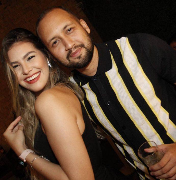 Caroline Medeiros E Bruno Hedy
