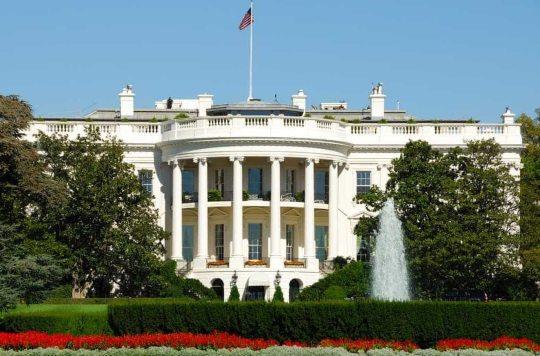 Governo e Senado norte-americanos fecham acordo de US$ 2 trilhões para socorrer a economia daquele país