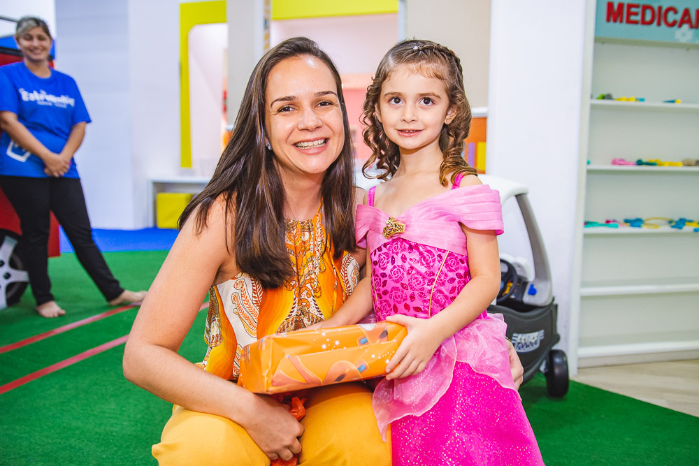 Cristiane Perez E Nicole Coelho Calux (2)