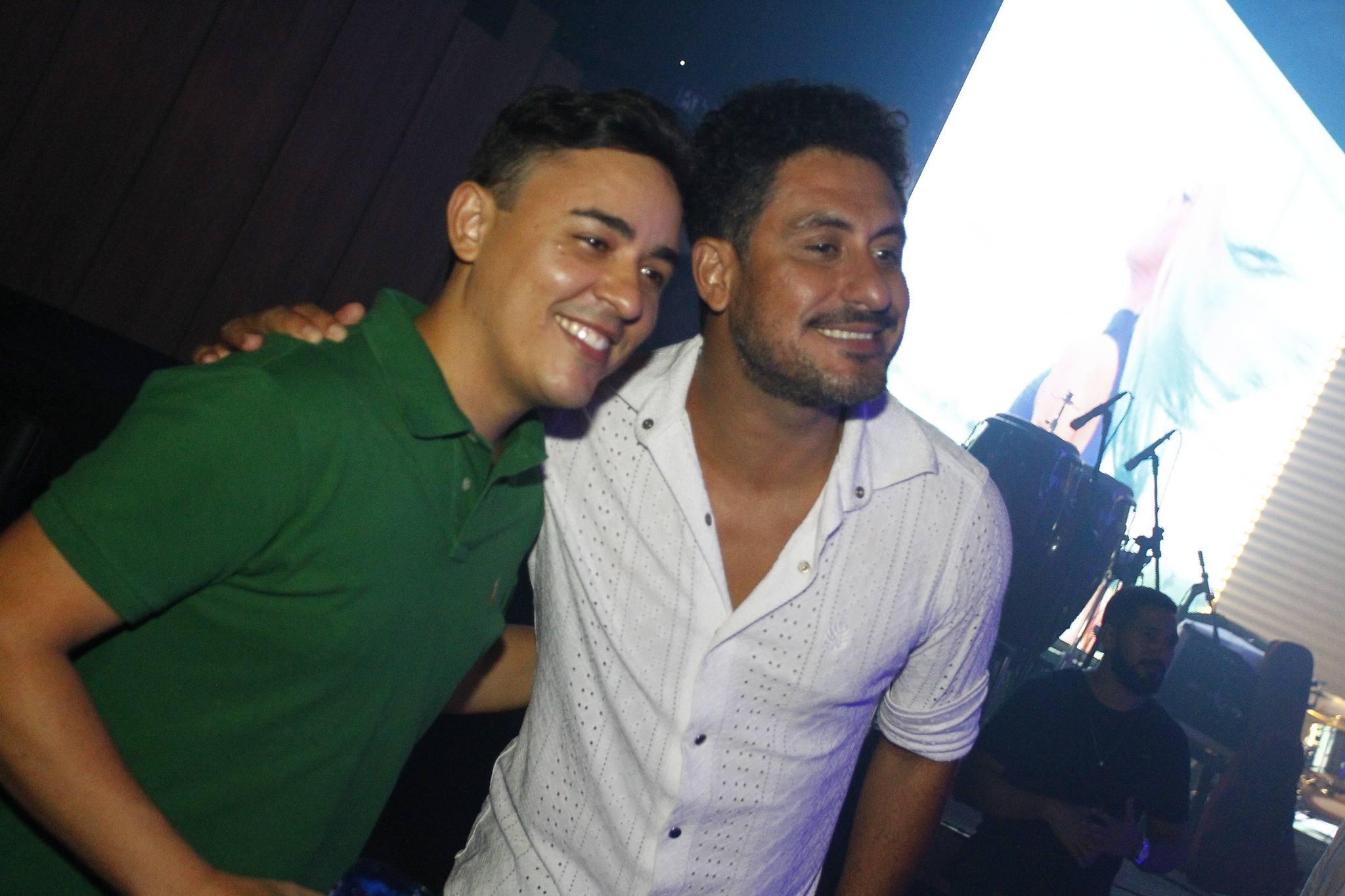 Cristiano Rodrigues E Lauro Cruz