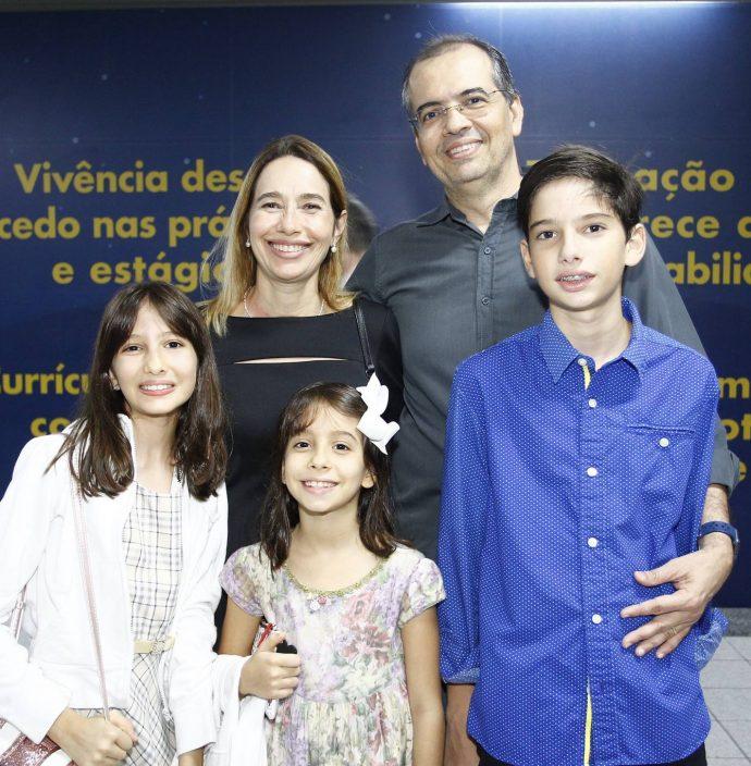 Diva, Grace, Pedro, Pedro E Ester Rocha