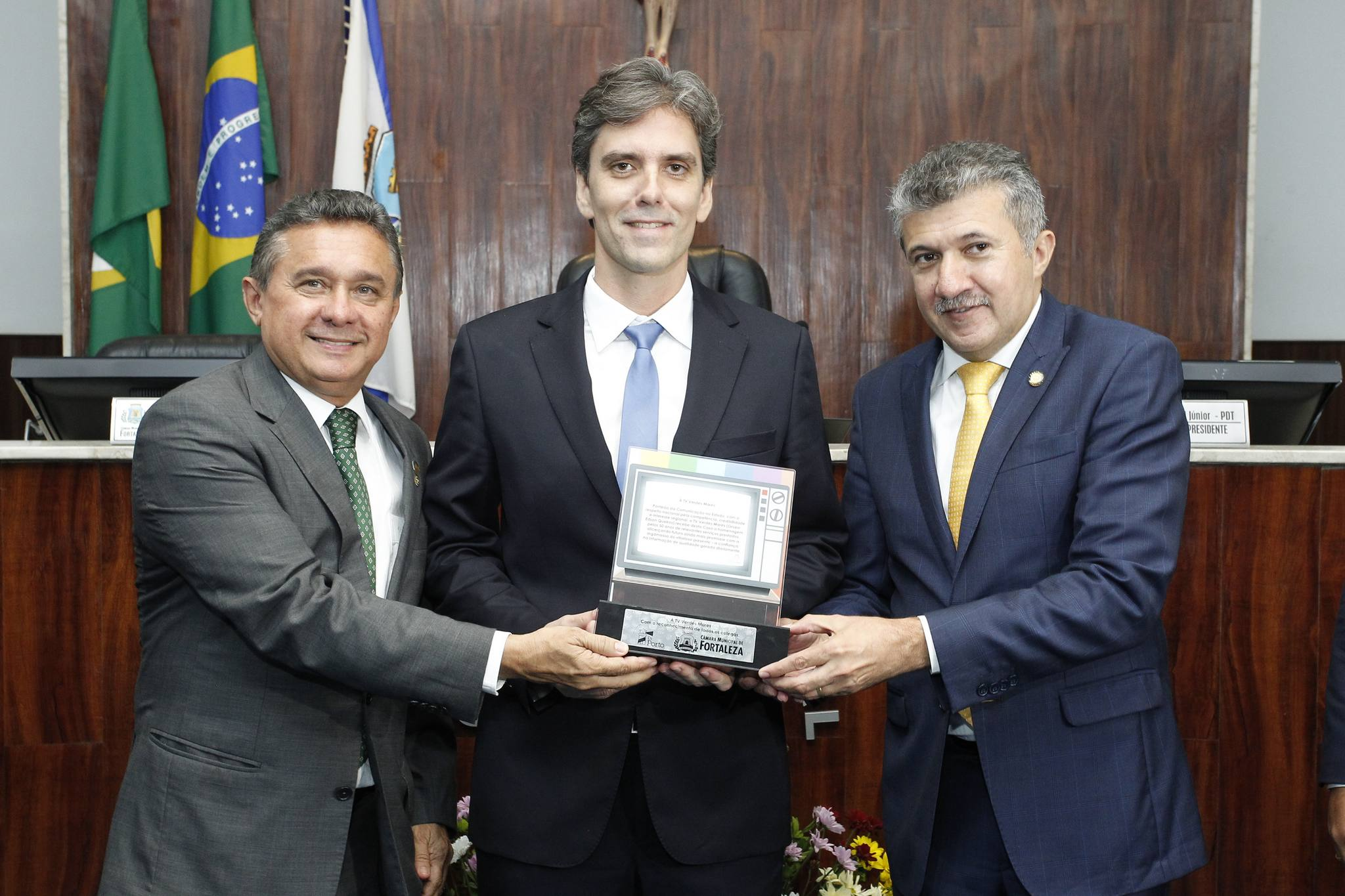 Sessão solene na Câmara Municipal de Fortaleza marca os 50 anos da TV Verdes Mares