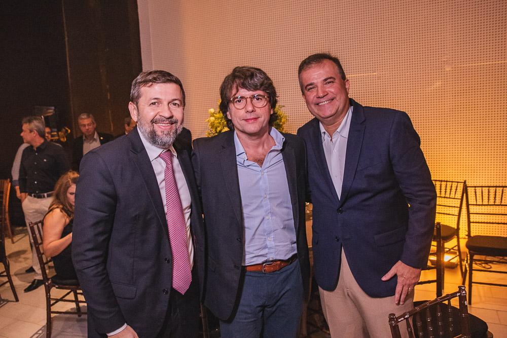 Elcio Batista, E Ricardo Bezerra