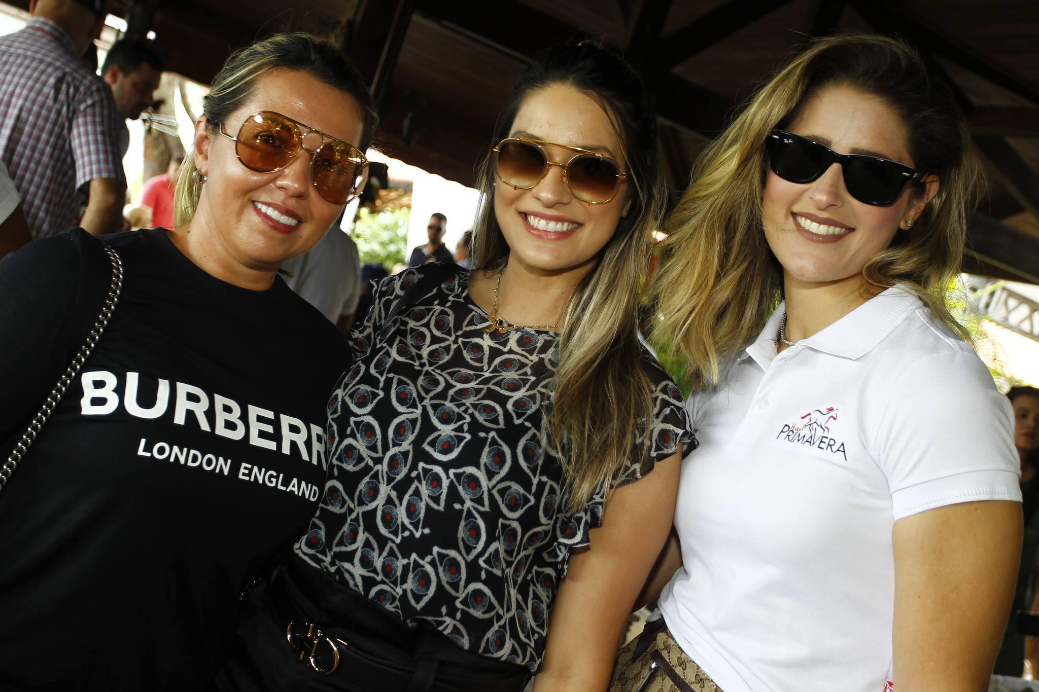 Elis Moreira, Camila Morais E Rebeca Bastos