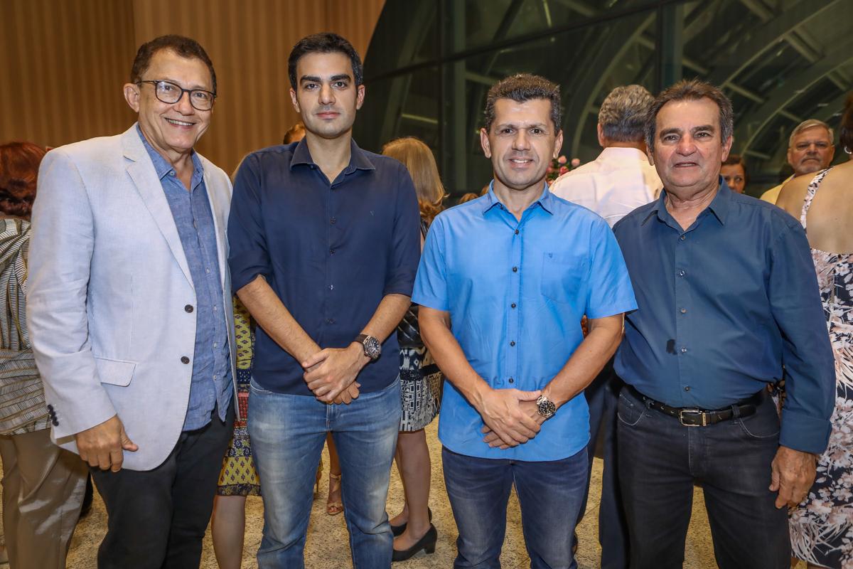 Elpidio Nogueira, Rodrigo Nogueira, Erick Vasconcelos E Felipe Nothinghan (2)