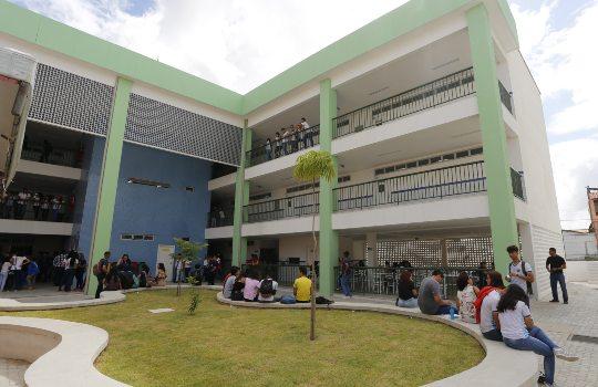 Sinepe-CE recomenda que escolas deem férias coletivas a seus colaboradores