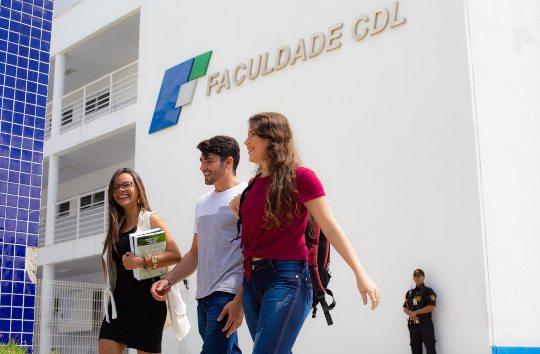 Faculdade CDL disponibiliza turmas online para todas as suas disciplinas