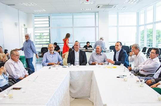 Secretário Carlos da Costa debate novas estratégias para o Polo Farmoquímico do Eusébio