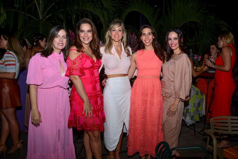 Flávia Galiza, Lara Ximenes, Bianca Bonorandi Franco, Lara Studart E Lina Pontes