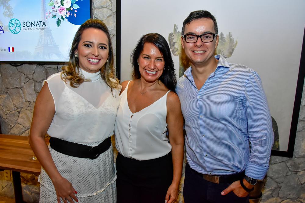 Janaina Ximenes, Carla Gama E Wellington Oliveira
