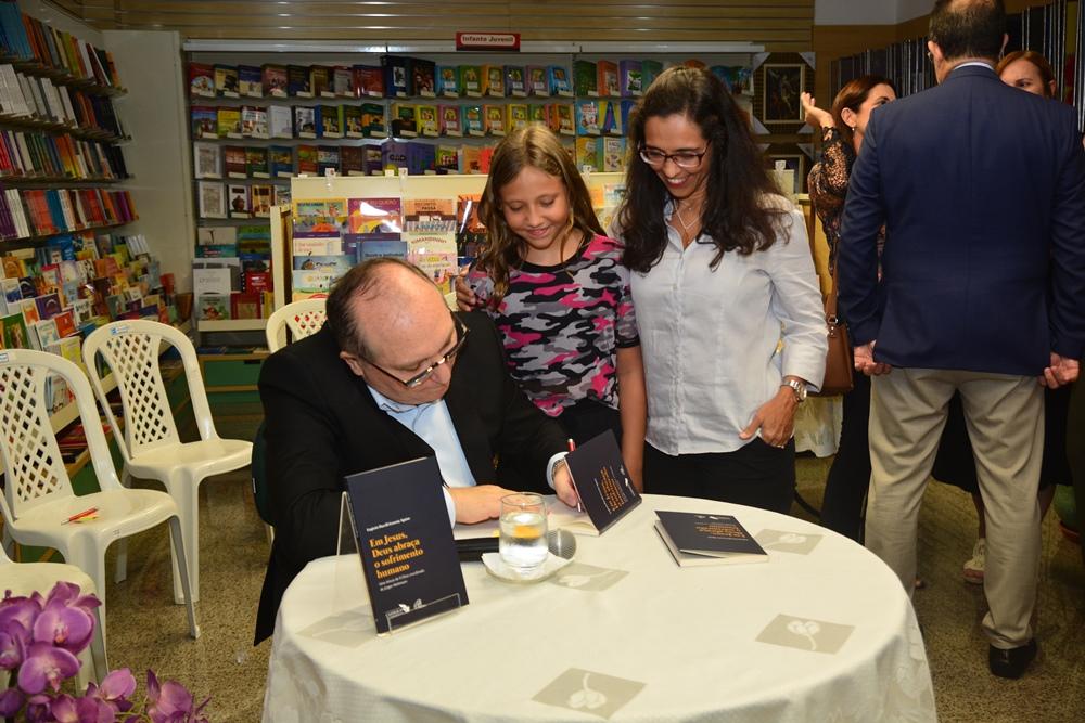 Lançamento E Noite De Autógrafos Do Livro De Pe. Eugênio Pacelli (2)