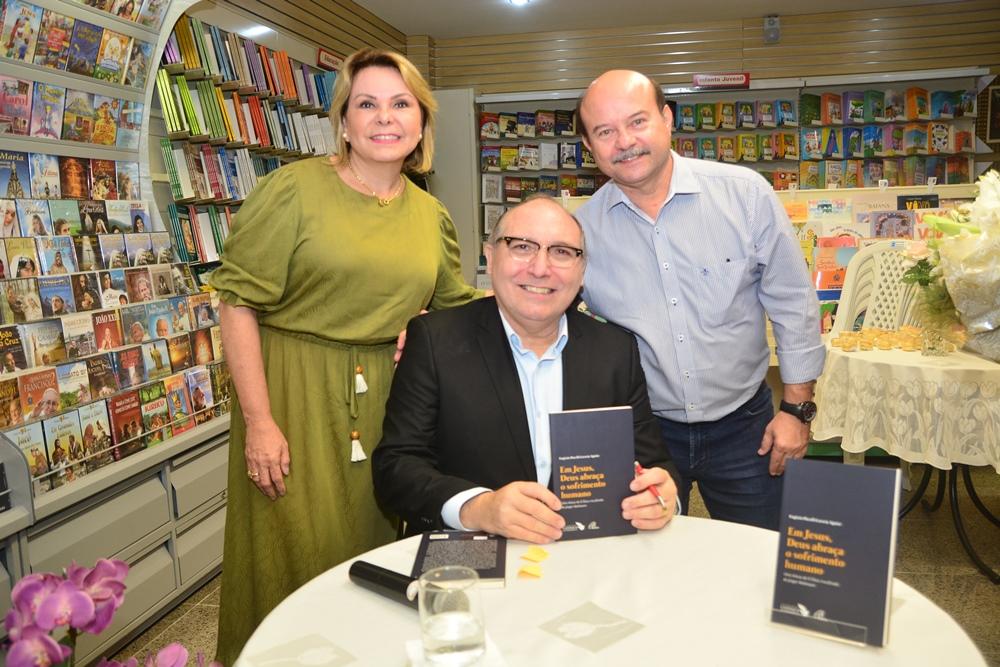 Lançamento E Noite De Autógrafos Do Livro De Pe. Eugênio Pacelli (5)