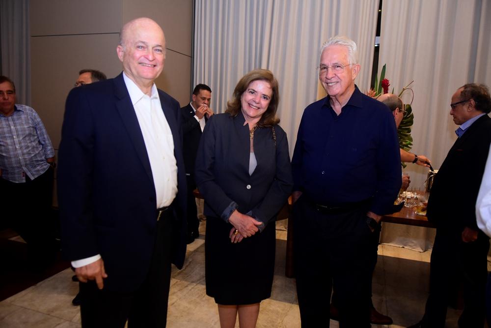 Lauro Fiuza, Roseane Medeiros E Carlos Prado