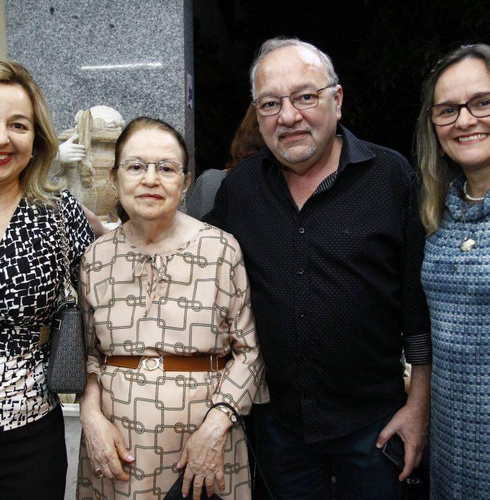 Leonice Holanda, Regina, Wagner E Liana Barbosa
