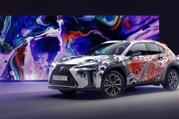 """Lexus UX ganha """"tatuagem"""" de R$ 720 mil"""