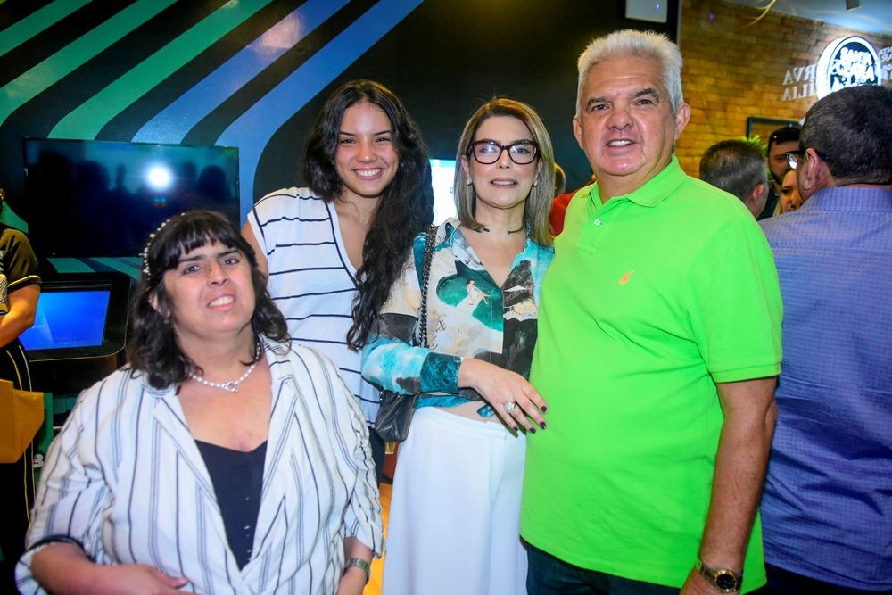 Liz, Hildete, Jaqueline E Tales De Sá Cavalcante