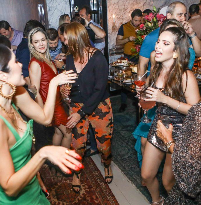 Manoela De Castro, Erica Lima, Isabella Gurjao, Nicole Vasconcelos E Wayne Moreira