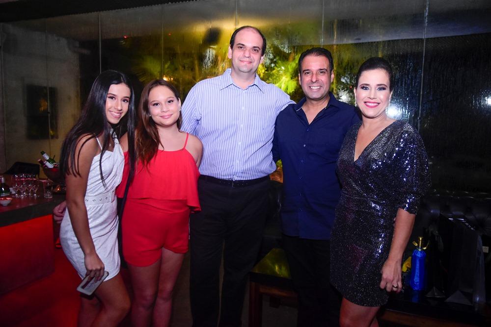 Manuela Campos, Maria Letícia Campos, Bernardo Junior, Fábio Campos E Cibele Campos